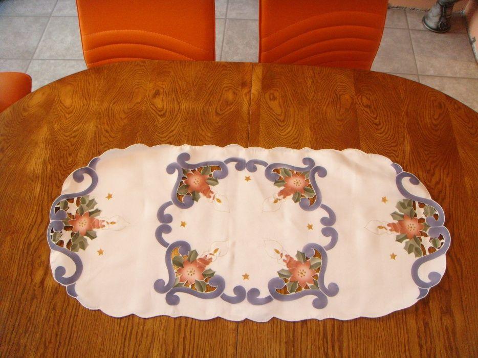 Намалени от 9лв-Коледна покривка Покривки за маса, тишлайфер,декор