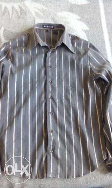 Продавам много запазена елегантна риза IVENTI Classic