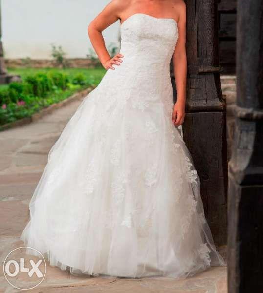 Сватбена/булчинска рокля с дантела