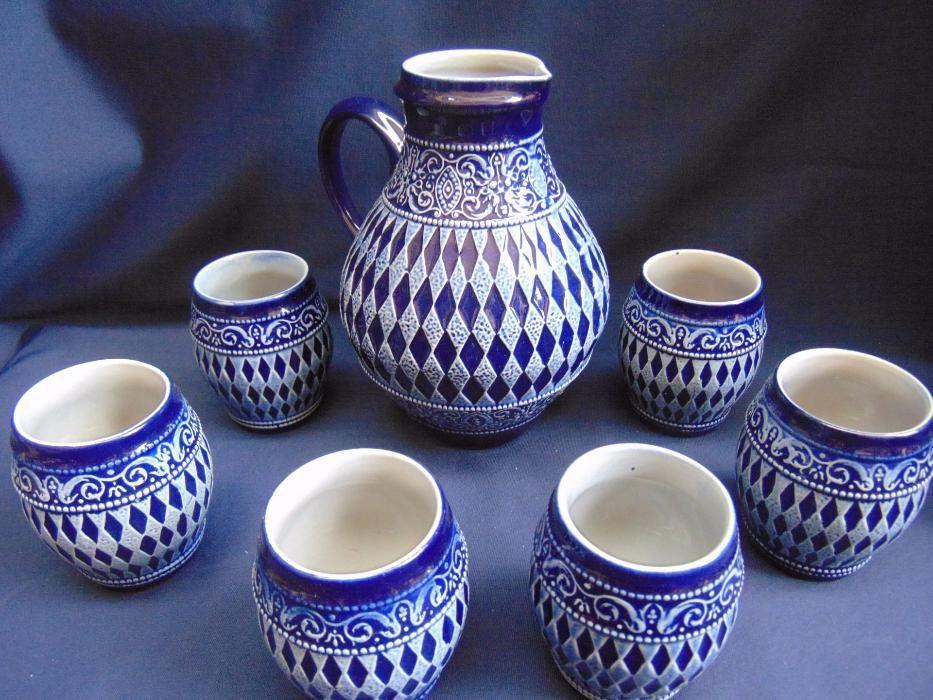 Carafa ceramica si 6 pahare cu romburi,albastre