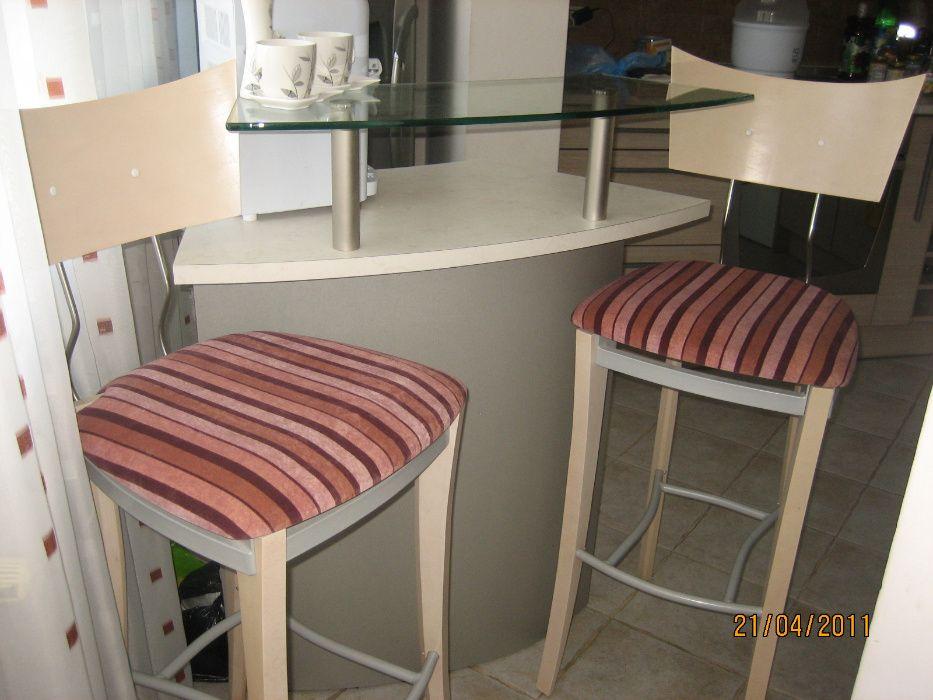 Барплот с 2 бар стола