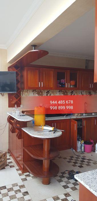 Cozinha, portas e janela, guarda roupa, escada de madeira nacional