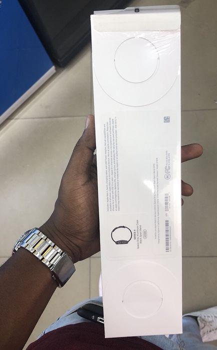 Apple Watch série 4 space grey 44mm