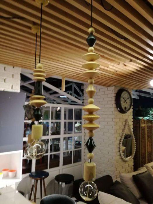 Дървена висяща лампа