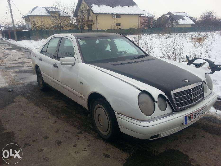 Dezmembrez Mercedes W210 E220diesel