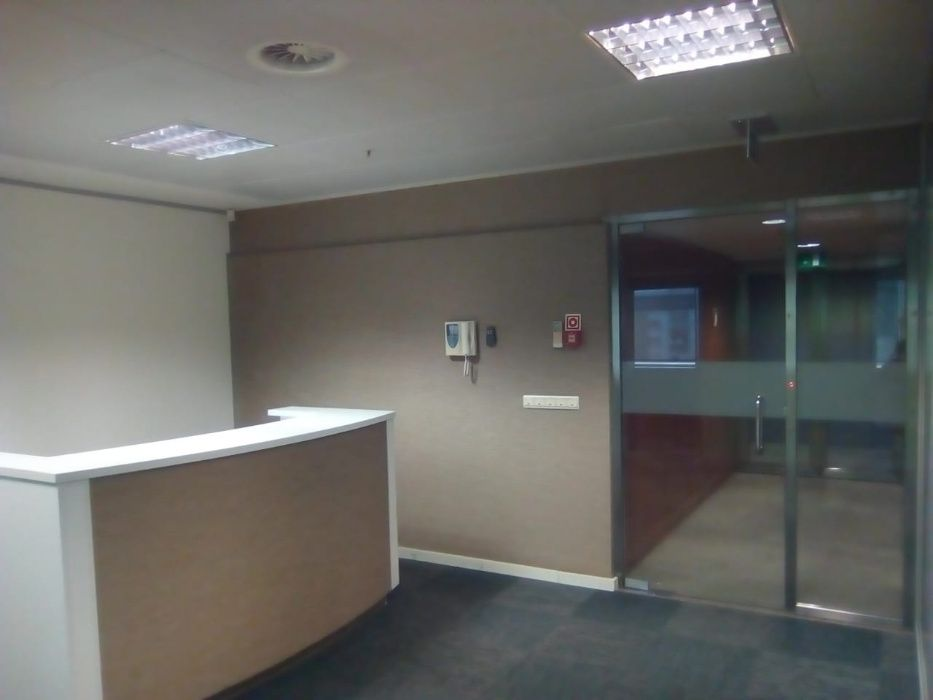 Arrenda-se Escritório 287 m2 no Kinaxixi