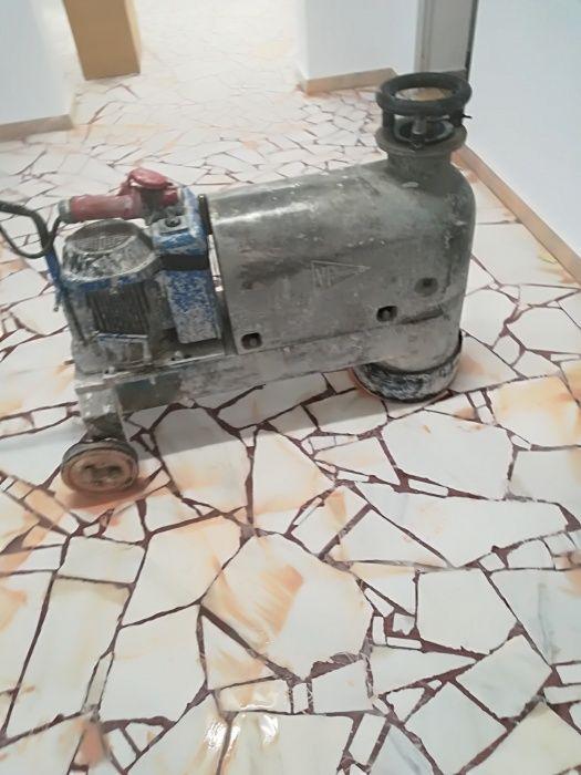 Șlefuit și lustruit mozaic marmură și granit