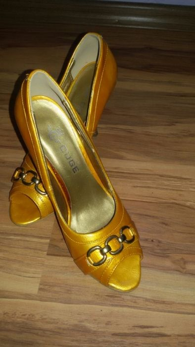 Дамски обувки 35 номер