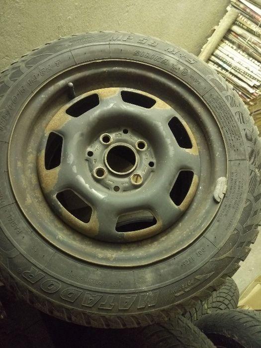 Продавам 4 метални джанти+гуми
