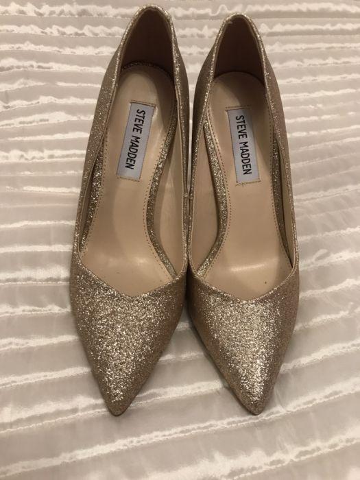 Златисти брокатени обувки