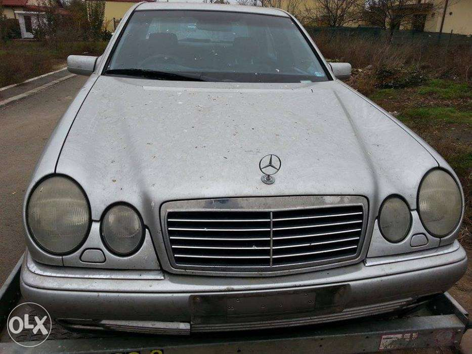 Dezmembrez Mercedes w210 E-class E300TD