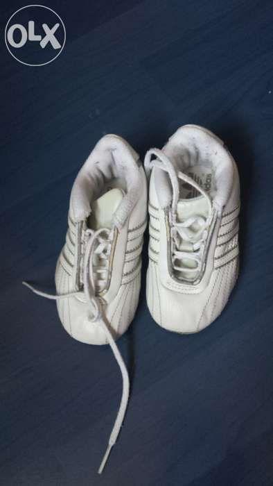 vand adidasi copii marca adidas nr 21 au 13 cm