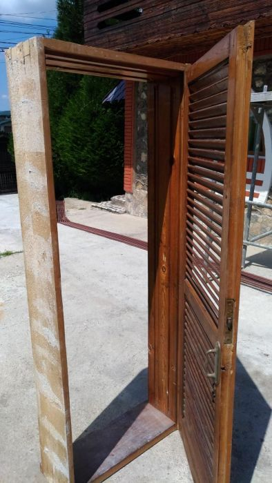 2 usi lemn masiv 195 cu 75 cm
