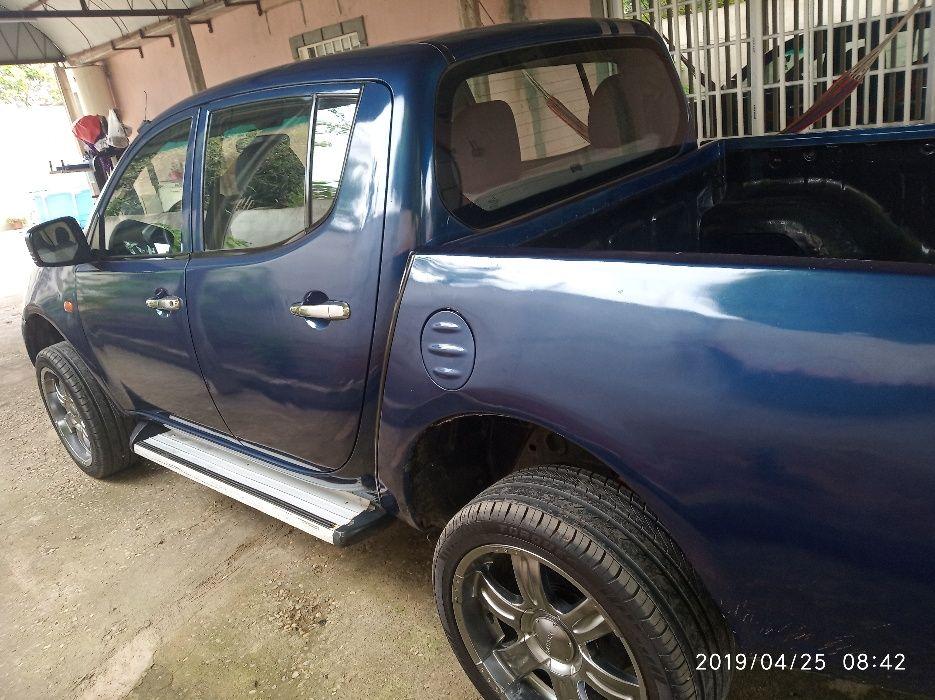 Carrinha L200 a diesel