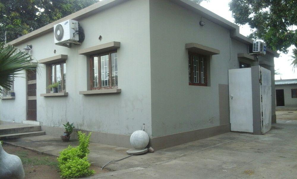 Arrenda de 1Casa tipo2 perto da Farmácia Witbank N4 Cidade de Matola - imagem 1