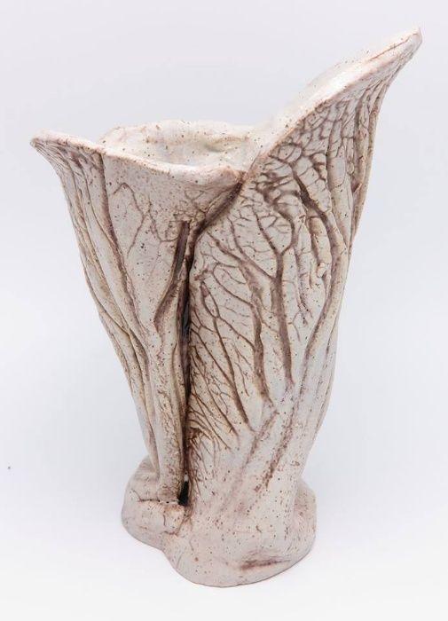 Vază ceramică, pădure în relief, 20 x 13 cm.