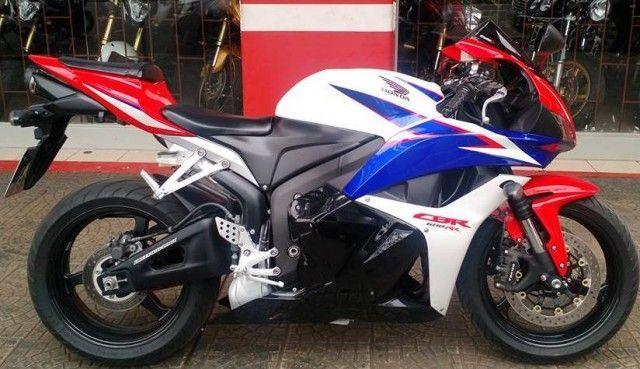 Honda CBR a venda