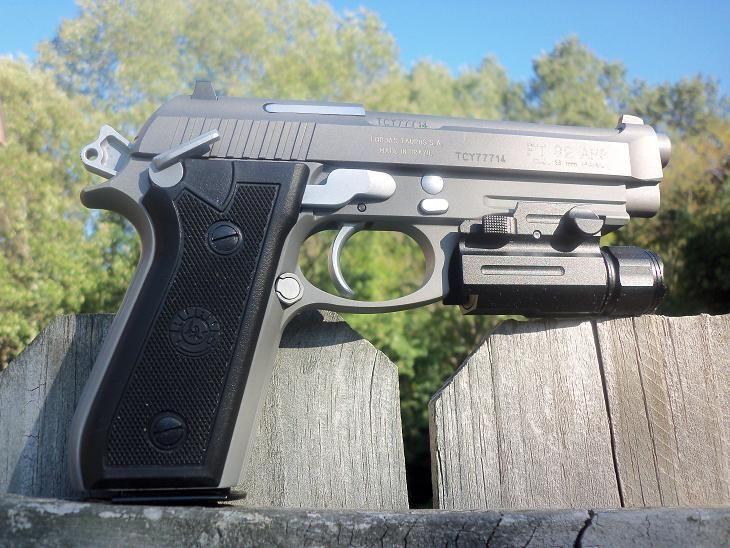Pistol airsoft MODIFICAT la 3.7 jouls in stare perfecta de functionare