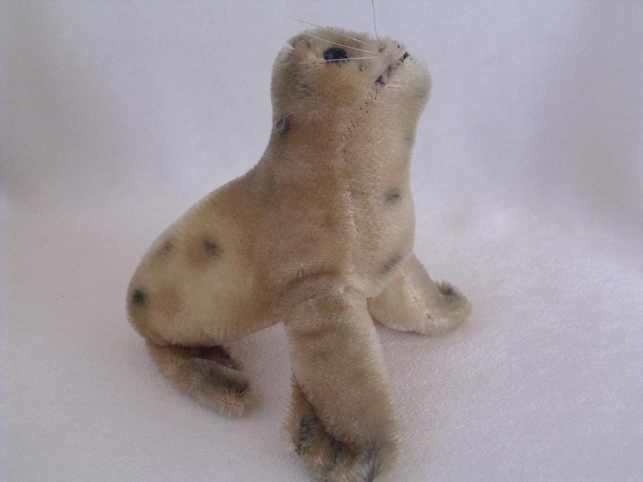 Плюшен тюлен Steiff