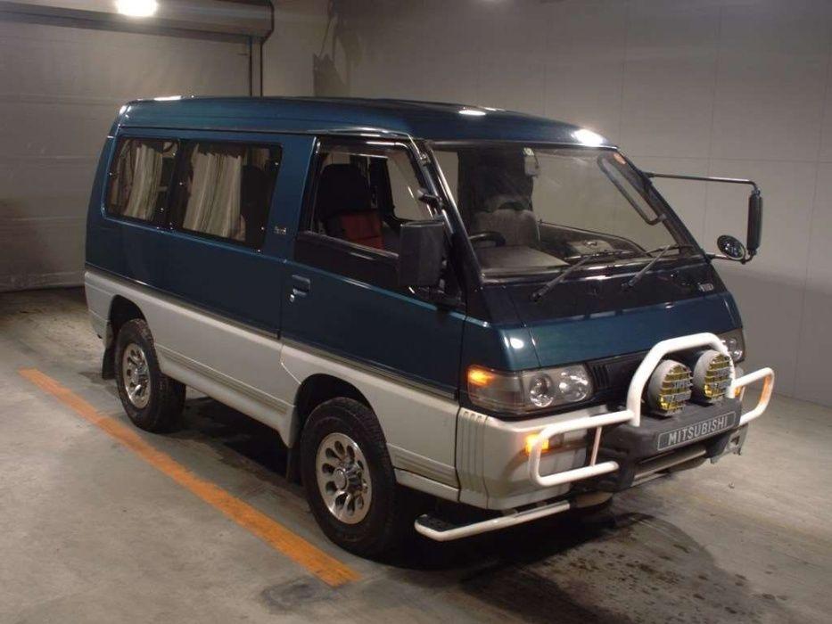 Mitsubishi Delica 1992 года