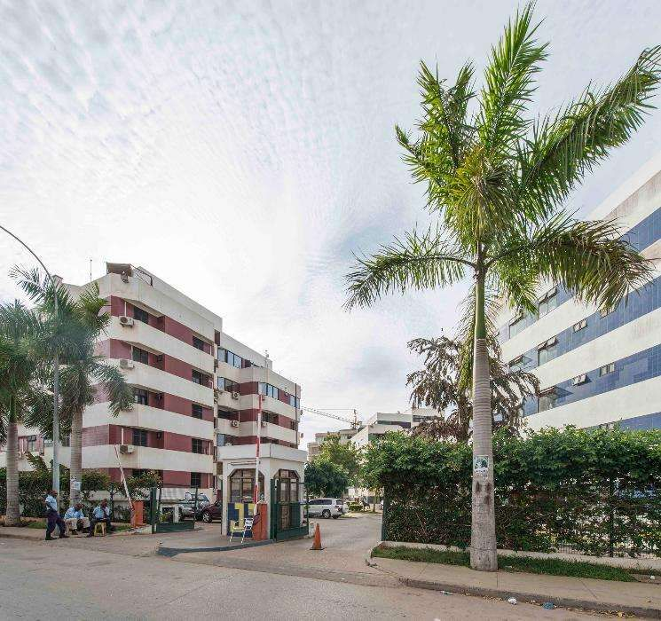 Apartamento Mobilado Condomínio Jardins De Talatona