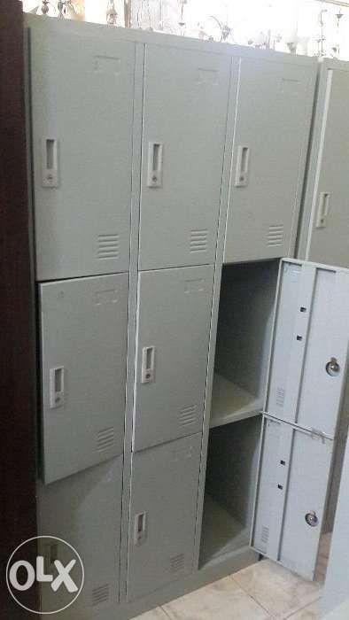 Cacifos metalico de 9 nove porta cor cinza,produtos novo na caixa.