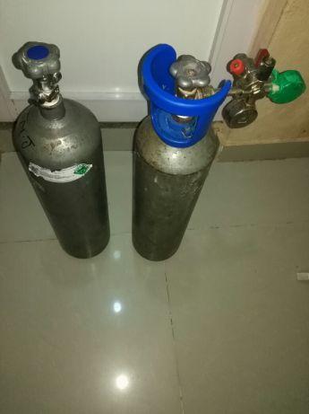 Vende-se garrafa de CO2 Chinesa(válvula para manometro português)
