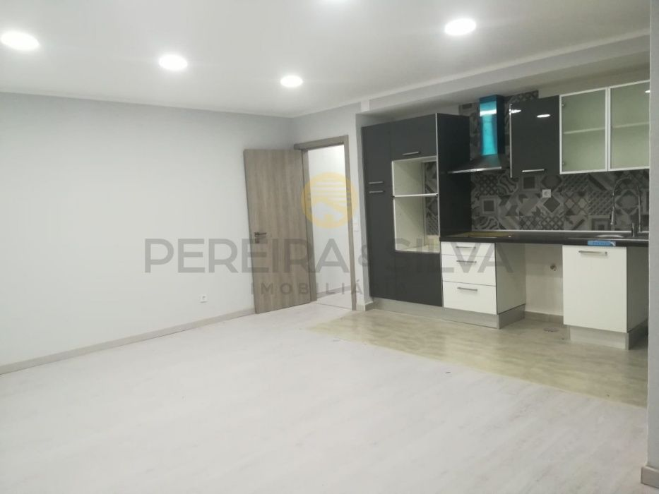 Apartamento T1 remodelado em Massamá perto de Lisboa