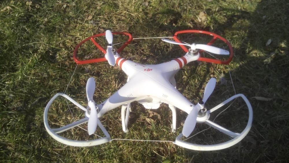 Dezmembrez drona dji phantom 1 (model FC40)