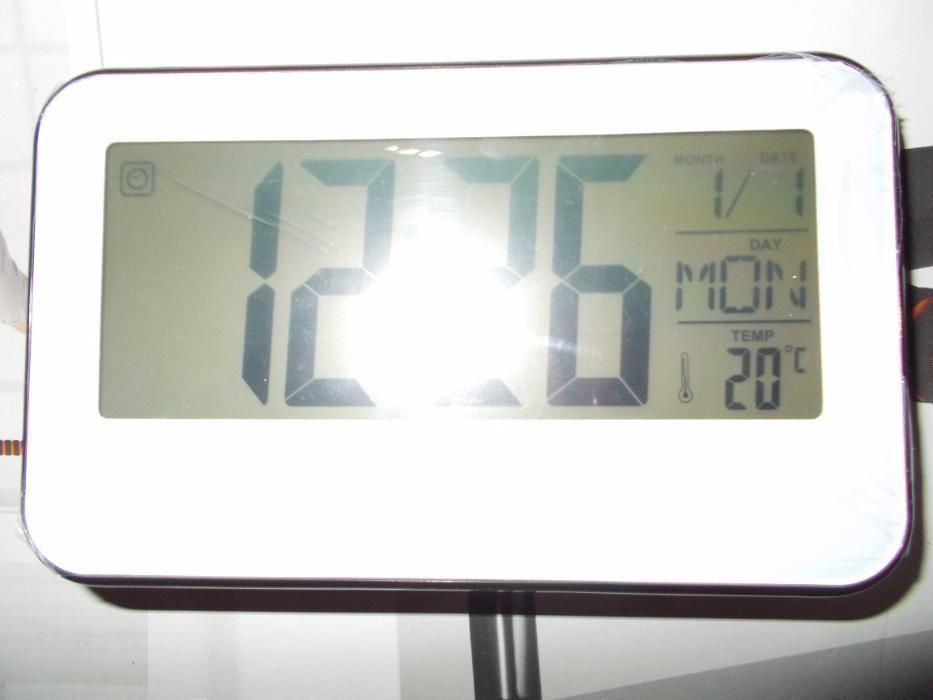 ceas cu termometru pt birou/camera,comanda vocala,display mare,philips