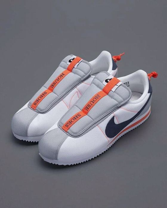 Nike house shoes