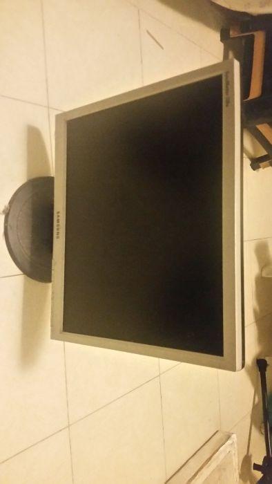 Venda rapida monitor samsung Kilamba - imagem 2