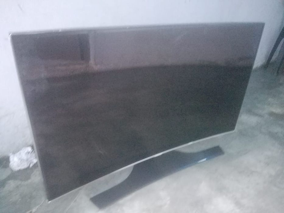 Samsung Smart tv CURVA 55""