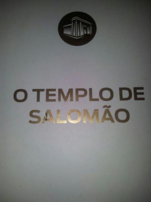 Vendo o Livro do Templo de Salomão