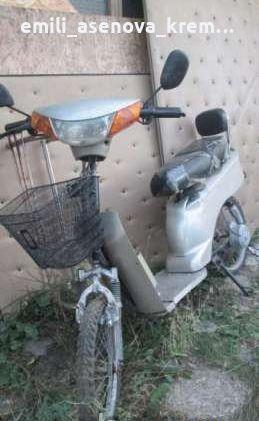 Продавам двуместен електричèски скутер,,не се нуждае от регистрация,кн