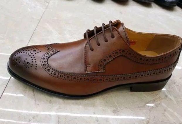 dd79dde741 Arquivo  Sapatos castanho Ingombota • olx.co.ao