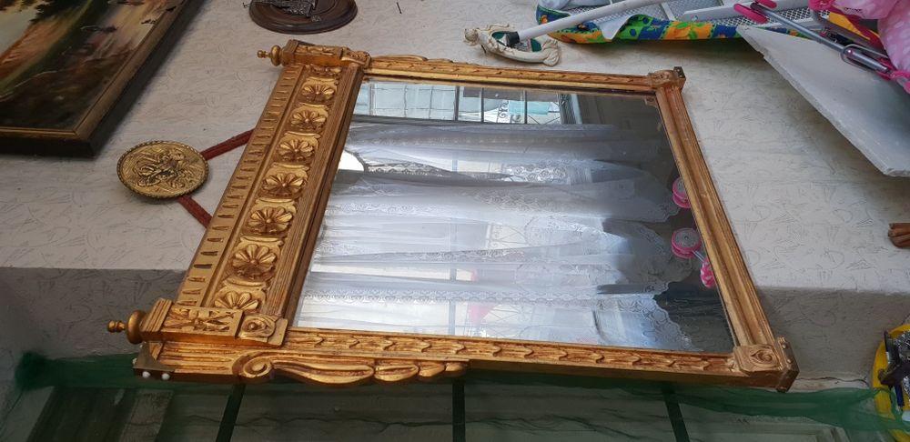 Oglinda vintage din lemn sculptat sau merge consolă de machiaj