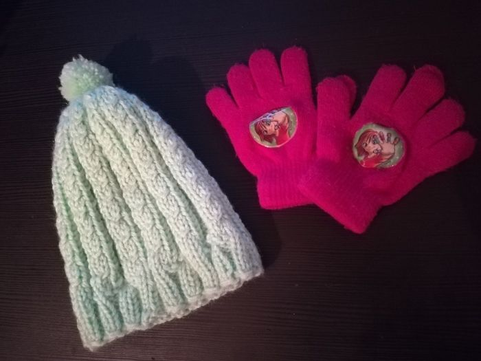 Детски ръкавици и шапка