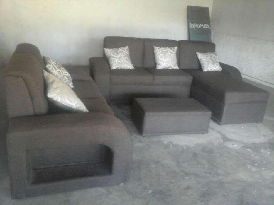 Sofa moderno.
