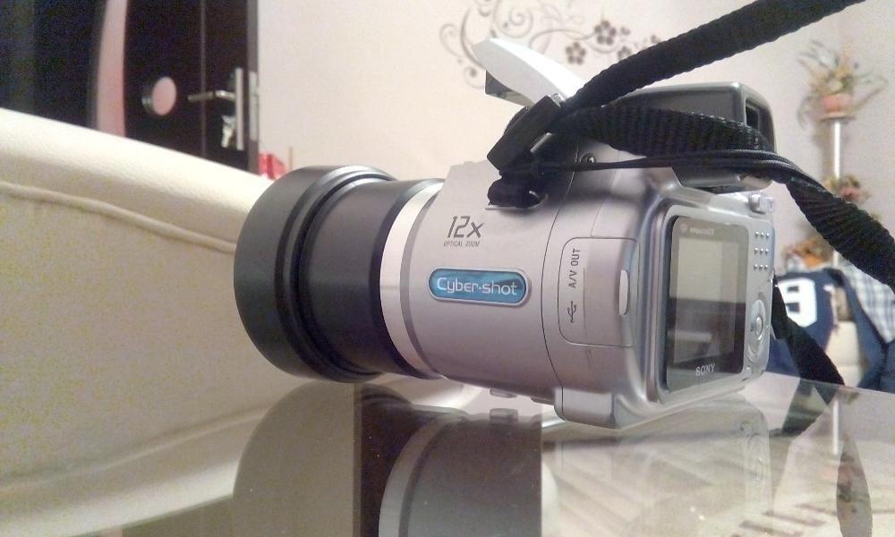 Camera foto Sony DSC-H2