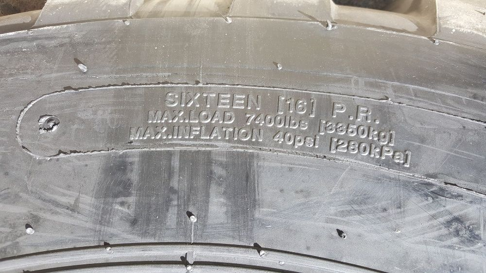 Cauciucuri noi 17.5-25 pentru incarcator anvelope cu 16PR, rezistente Craiova - imagine 6
