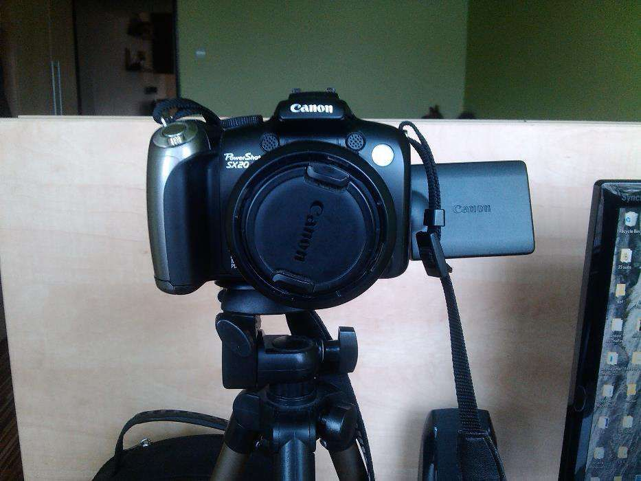 Canon PowerShot SX20 IS, 12.1 MP + (Geanta si Trepied)