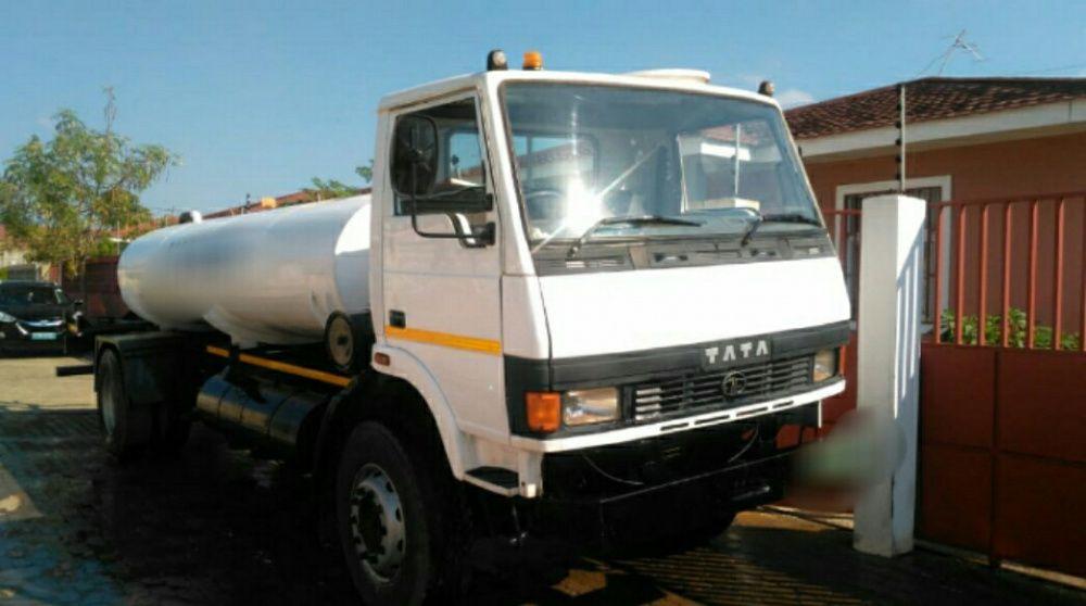 Vendo Camião Tata Tanque 8000l