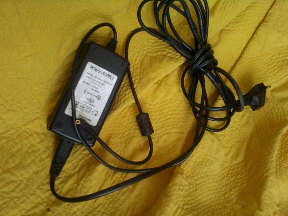 Зарядка - провод с адаптером фирменный для - от Ноутбук