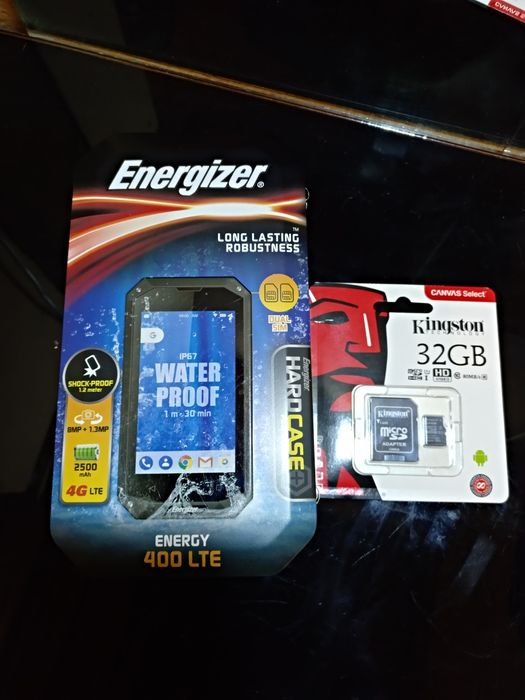 """Smartphone todo terreno 4"""" + oferta de cartão 32GB"""
