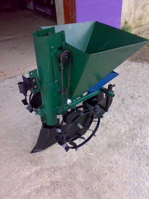 Masina de plantat cartofi cu fertilizator pentru motocultor nou