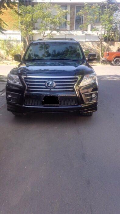 Lexus 570s 2015 em perfeitas condições por 23.000.000 kz negociável