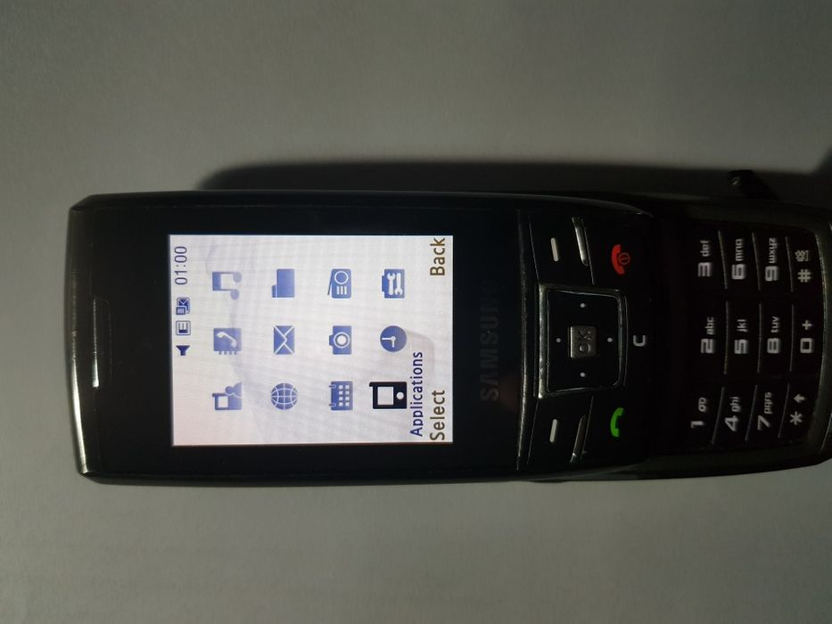 Продам телефон Самсунг 880