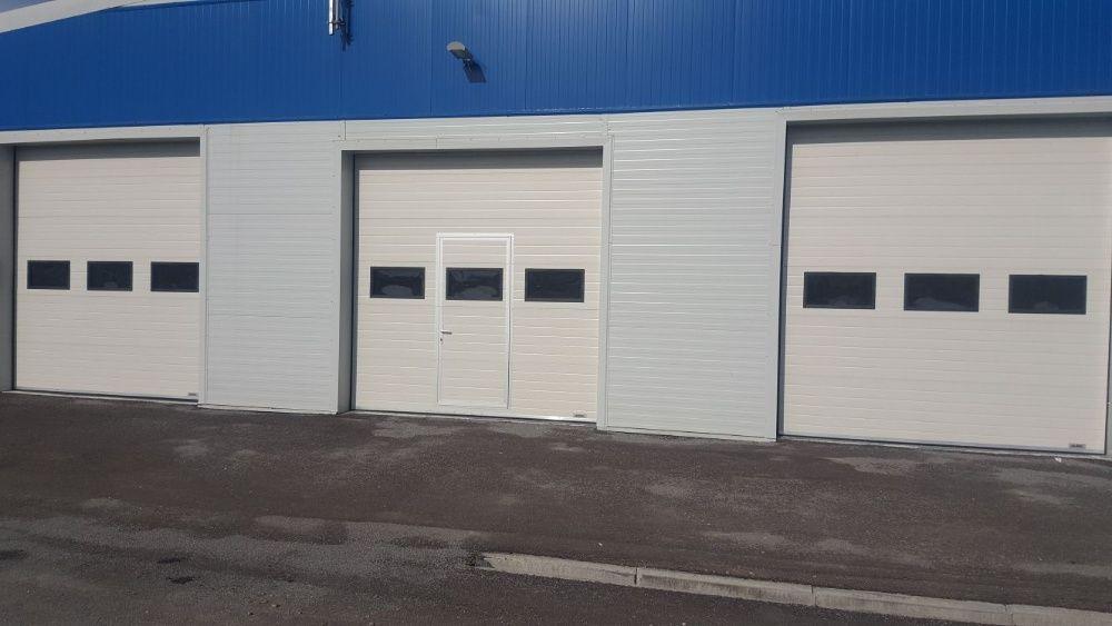Uși de garaj Industriala cu panou vitrat 3500*3200
