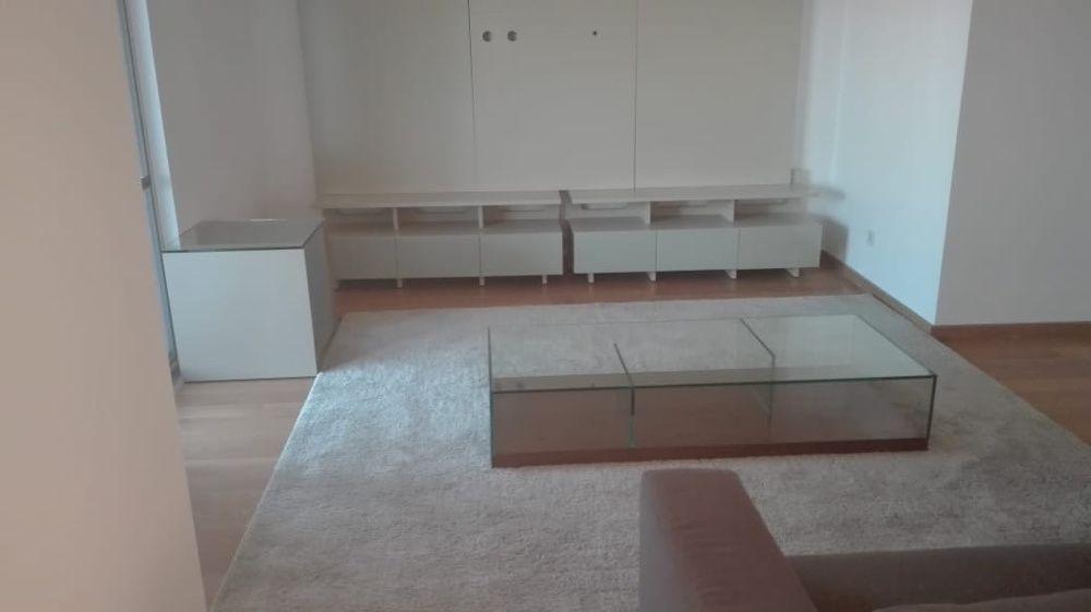 Vende se apartamento T3 no prédio novo na Polana condomínio Acray
